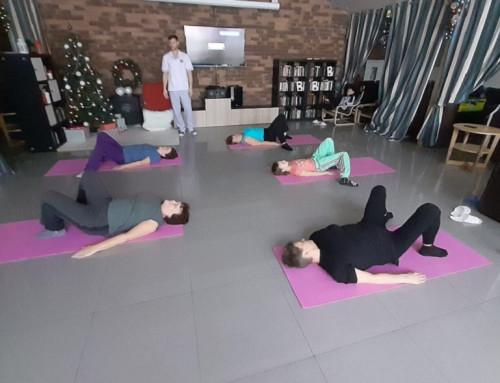 Занятия гимнастикой с инструктором